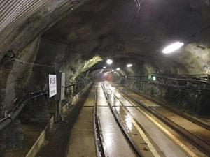 関西電力黒部川第三発電所への軌道トンネル
